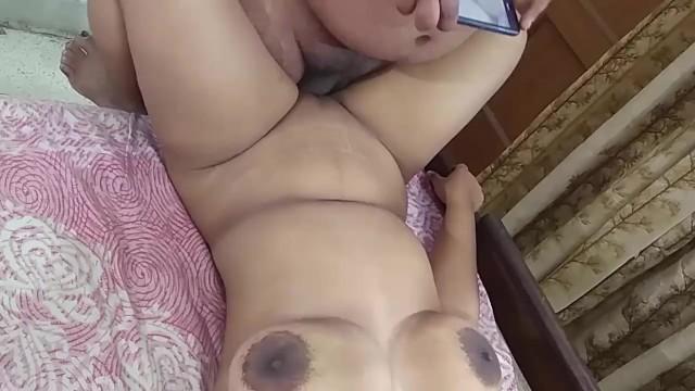 Big tit ebony paris Desi pari bhabhi big boobs massage in parlour