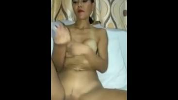 En live sur cam4 thaifarang83 je me masturbe pour mai voyeur