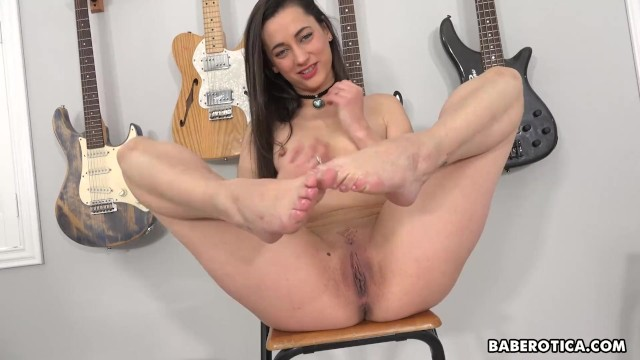 Teen Girl Laney Rose Clothing Before Masturbating In Cowgirl Boots Pornohub 1