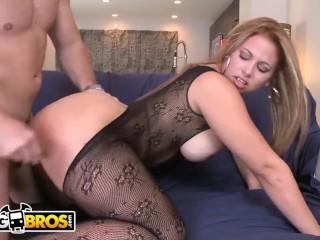 "BANGBROS – Big Booty Latina ""Gia"" Fucked Doggystyle, Looks Damn Good"