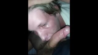 Filmy porno - Niechlujne Głębokie Gardło I Dławienie Się