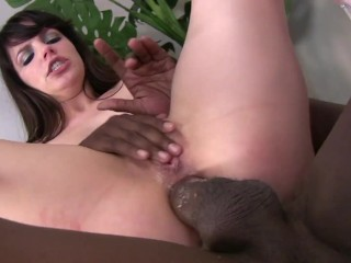 Hot Bubble Butt Bobbi Takes BBC In Her Tight Ass
