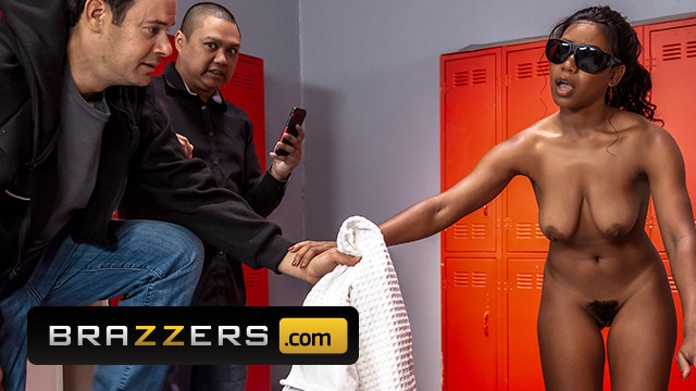Jenna mcarthy nude - Brazzers - ebony jenna foxx takes white dick in the shower