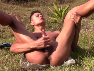 Attractive Boy Lifts his Legs SHOWS THE ANUS and has a Juicy Ejaculation