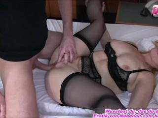Deue Hausfrau wird besamt vom Jungen Mann mit viel sperma