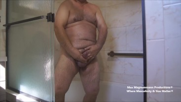 Hung Beefy Daddy Showers & Shoots a Big Load HD