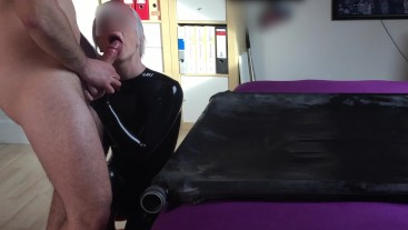 CUM SPREADING COCK WHILE TONGUE PLAY ON LATEX CATSUIT