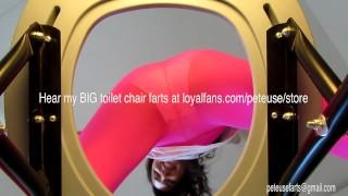 免费色情影片 - 女孩屁在你的厕所椅子Peteuse可爱的屁