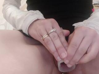 Visita profonda allinterno della vulva