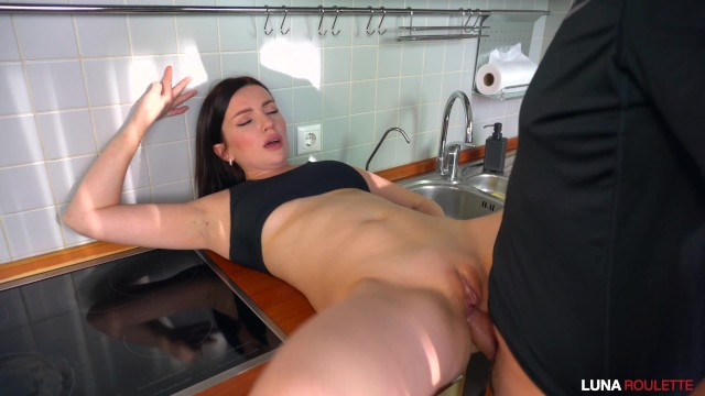 Hot neighbor xxx Fucked a neighbor in the kitchen and cum on face / luna roulette