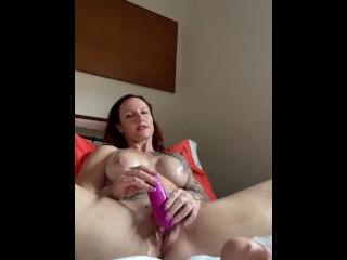 Horny Australian MILF Slut masturbates, DPs herself & Squirts