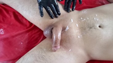 Messy Cum accident at waxing salon during lunch break
