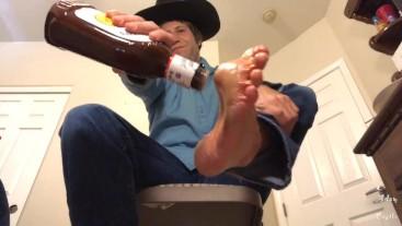 Cowboy BBQ Sauced Feet 4 Sissy Worship POV