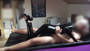 PERFECT LATEX RUBBING AND FUCKING WITH FEMALE ORGASM