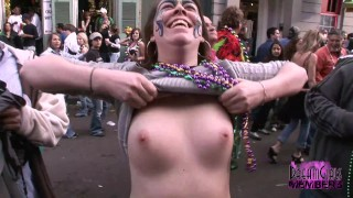 Pornofilme - Big Boobs Große Titten Kleine Titten Echte Titten Gefälschte Titten Titten Titten