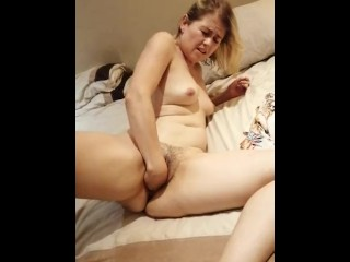 Sexy Elize Fisting and Masturbating her Naked Pussy for all to see Homemade