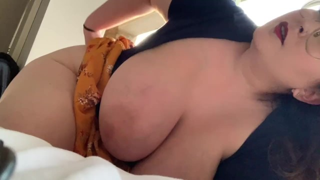 Sexy under tit - Mount me under my dress