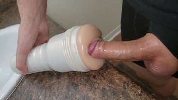 Plunging my cock DEEP into tight pussy - Riley Reid Fleshlight Review