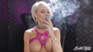 Mature And Sexy Topless Smoking - Nikki Ashton