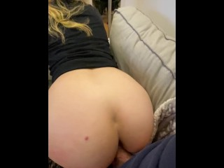 curvy white girl bouncing on cock