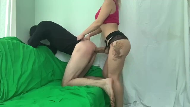 Inserted in cunt Rough pegging русская блонда активно трахает парня в жопу