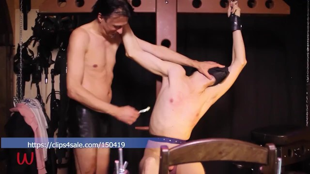 Twinks in tickle bondage - Pinch a hot guy in a vise and tickle him