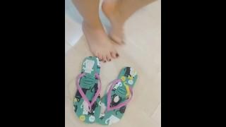Filmy porno - Tici_Feet Ig Tici Stopy Ponownie Pokazujące Moje Stopy W Havaianas