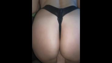 Gran culo en tangas de mi novia latina!