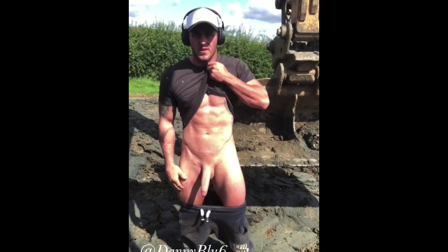 Working men tgp Buff digger driver wanks at work