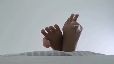 Toe Spreading to satisfy your Foot Fetish