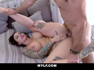 Sticky Creampie For seductive MILF