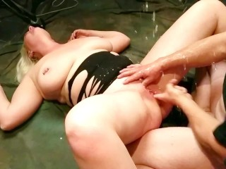 Huge Tits Milf Squirting all Over Neighbor