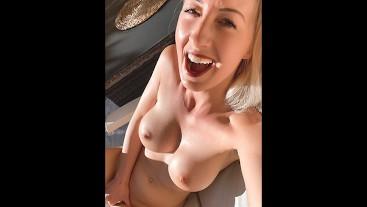 Feuchte Pussy draußen beim Sonnen zum Orgasmus gefingert