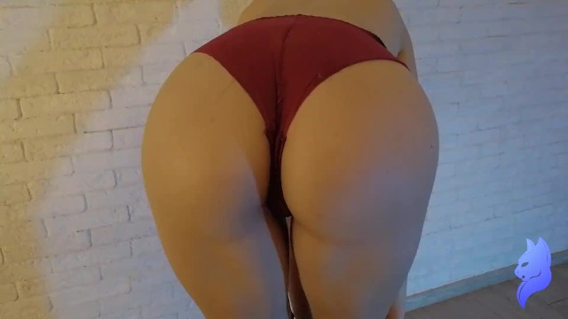 Sex slave want to be application Four fingers found their application in the pussy of lecherous young woman