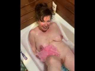 milf likes to be pissed on