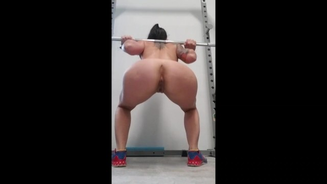 Sports women naked Fit milf squatting in the gym naked. powerlifting motivation, lets go
