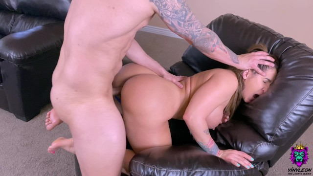Brother-in-laws dick - Fit big ass milf asked her brother in law to fuck her because she was bored
