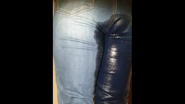 Pissing in her jeans Alice - totally desperate, peeing my jeans showing pussy