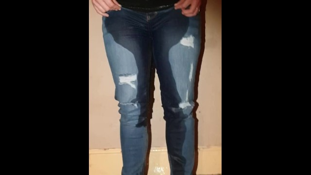 Girl pissing jeans - She was totally desperate, wets her jeans without panties shows pussy