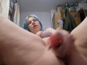 Squirt with a big dildo