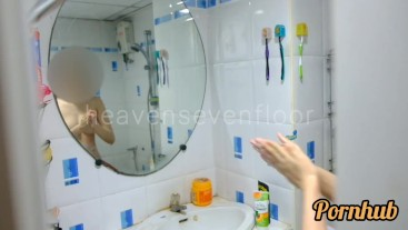 Thai girl taking a shower แอบถ่ายสาวอาบน้ำโดนจับได้ ก็เลยเย็ดกันเลยสงสัยจะเงี่ยน