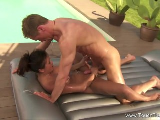 A Relaxing Massge That Make Them Both Feel Arouse Deeply