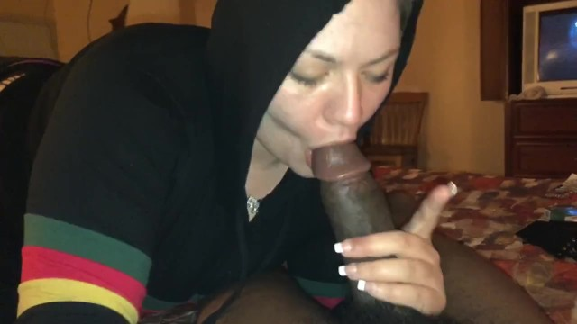 Cum on her hace Snowbunny sucked my dick till i cum on her face while her friend watched