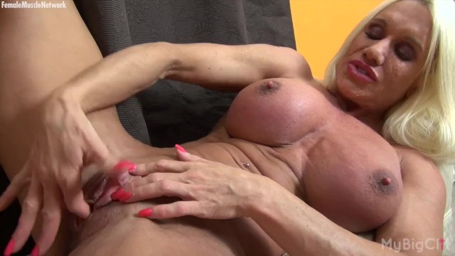 Ashley chambers xxx - Naked female bodybuilder play with her big clit
