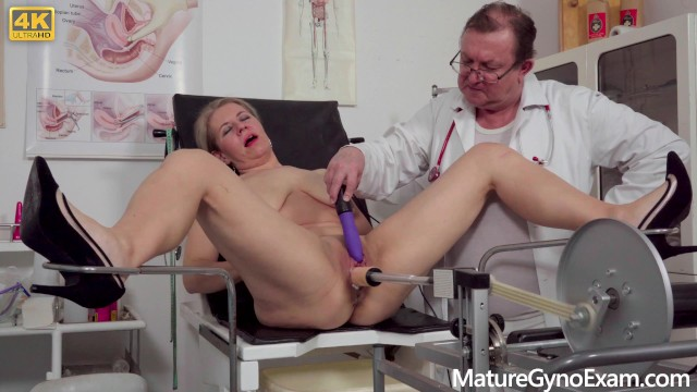 Freaky sex postions Horny mommy examined and made to cum by freaky doctor