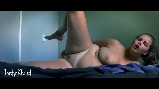 Download 'Jordyn Khaled masturbates ' with PornhubDownloader