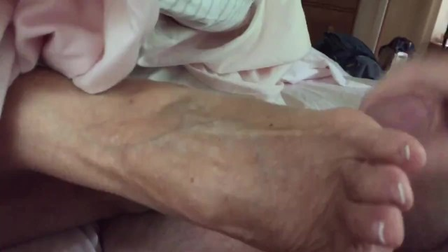 High arched feet fetish - Aunt annette talks while giving high arch footjob