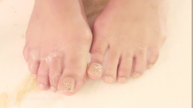 The foot job Asmr amateur milf makes sloppy foot job oil massage