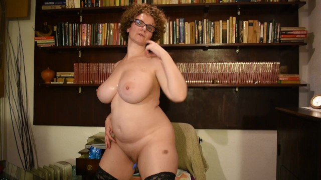 Mature female model I watch how i enjoy on my skype