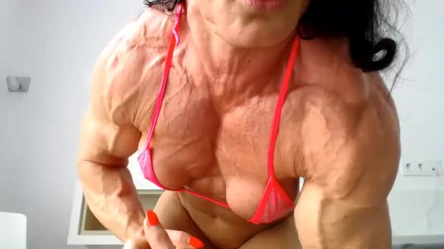 Provocative sexy shoes - Sexy fbb muscle girl flexing on webcam